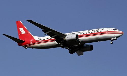 самолет Shanghai Airlines